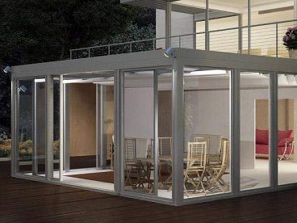 Verande mobili e chiusure per terrazzi e giardini d\'inverno in Romagna