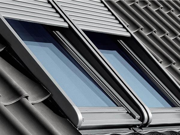 Lucernario lucernari lamiplast lastre in lucernari for Finestre a tetto velux prezzi
