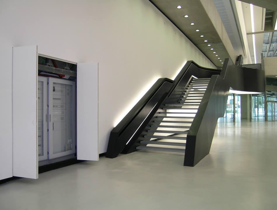 Cabina Armadio Nel Elektronik : Porte invisibili e rasomuro in romagna e porte per cabine armadio